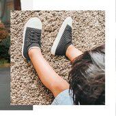 """ᴺᴬ  ᴷᴬᶻ̇ᴰᴬ̨  ᴾᴿᶻᵞᴳᴼᴰᴱ̨ """"Shoreline"""": Lekkie i przewiewne sneakersy - Idealne na co dzień! Dostępne w trzech kolorach🤍💗💙 . STONZ • For every day adventures . 📷 @lifewithneev"""