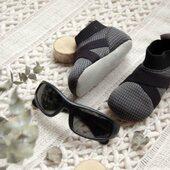 𝐒𝐭𝐨𝐧𝐳 𝐏𝐨𝐰𝐞𝐥𝐥: 𝐰𝐞𝐠𝐚𝐧́𝐬𝐤𝐢𝐞 𝐢𝐧𝐝𝐨𝐨𝐫/𝐨𝐮𝐭𝐝𝐨𝐨𝐫 𝐤𝐚𝐩𝐜𝐢𝐞 𝐢𝐝𝐞𝐚𝐥𝐧𝐞 𝐝𝐥𝐚 𝐝𝐳𝐢𝐞𝐜𝐢, 𝐤𝐭𝐨́𝐫𝐞 𝐳𝐚𝐜𝐳𝐲𝐧𝐚𝐣𝐚̨ 𝐜𝐡𝐨𝐝𝐳𝐢𝐜́ . Niesamowite wegańskie, trwałe i ekologiczne buty dla najmłodszych👧🏼👶🏼 Wierzchni materiał jest oddychający i przyjemnie miękki i pasuje do każdego stroju. Czego więcej chcą małe stopy? . STONZ • For every day adventures