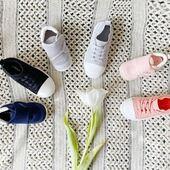 𝐁𝐮𝐭𝐲 𝐝𝐥𝐚 𝐚𝐤𝐭𝐲𝐰𝐧𝐲𝐜𝐡 𝐧𝐢𝐞𝐦𝐨𝐰𝐥𝐚̨𝐭 𝐢 𝐝𝐳𝐢𝐞𝐜𝐢 To niesamowite, jakie zmiany przechodzą nasze maluchy w ciągu pierwszych kilku lat😱 . Aby stworzyć najlepsze buty dziecięce, ściśle współpracujemy z wieloma podologami i naukowcami, aby lepiej zrozumieć zdrowie i rozwój stóp🦶🏻 . Wszystkie buty dziecięce STONZ są specjalnie dopasowane do potrzeb danej grupy wiekowej, aby Twoje dziecko było bezpieczne w ruchu w każdej fazie dorastania. 🌿Wysokiej jakości materiały sprawią, że Twoje dziecko będzie cieszyć się nowymi butami przez długi czas. . STONZ • Smartly designed footwear & clothing for kids
